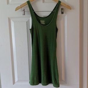 🌵3for10🌵 Long & Lean Ribbed Green Tank Top